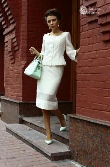 Белый костюм из шерсти и шёлка