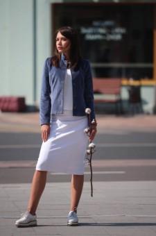 Женский пиджак из бархата серо-голубой