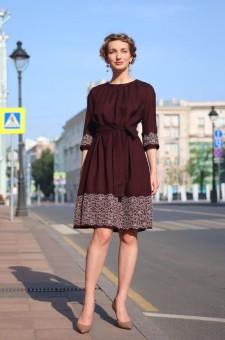 бордовое шерстяное платье