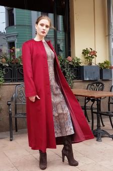 Длинное демисезонное красное пальто