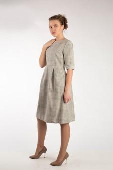Бежевое серое платье из шерсти