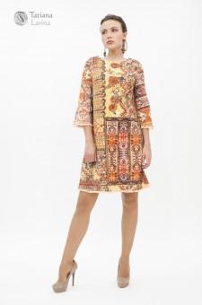 Светлое короткое платье на осень