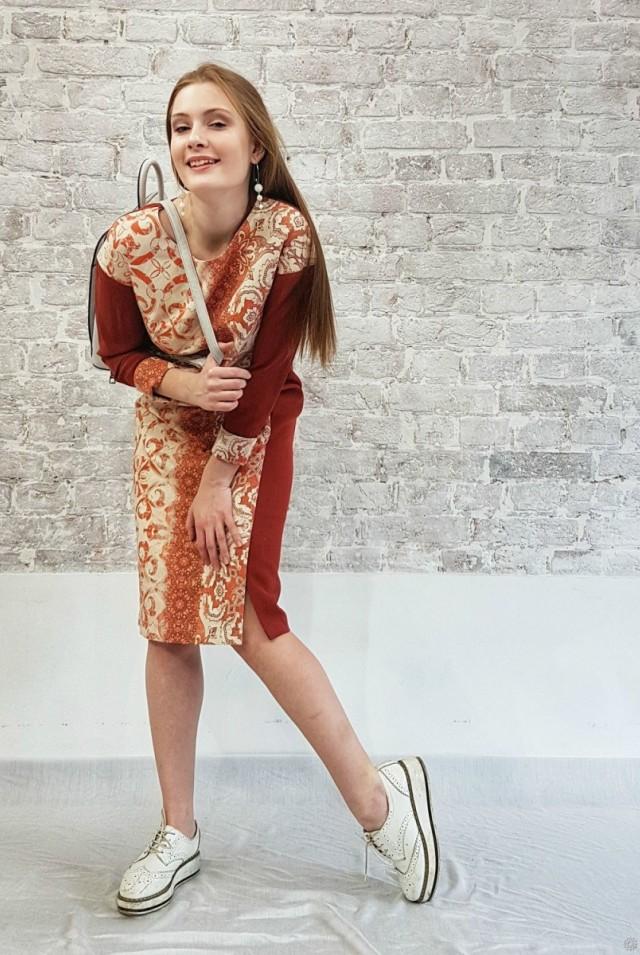 яркое платье шерсть