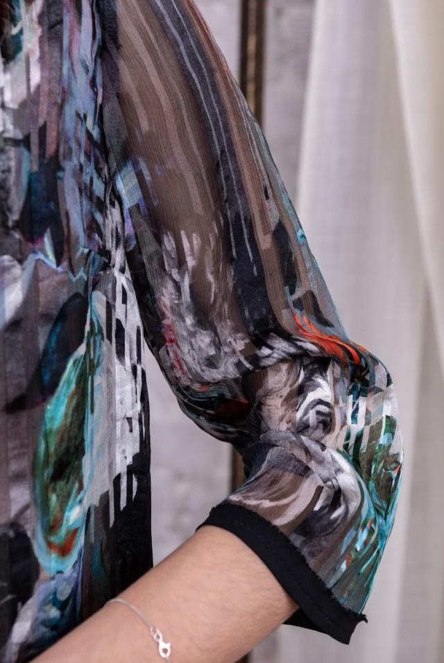 нарядное платье из нежного шифона на подкладке
