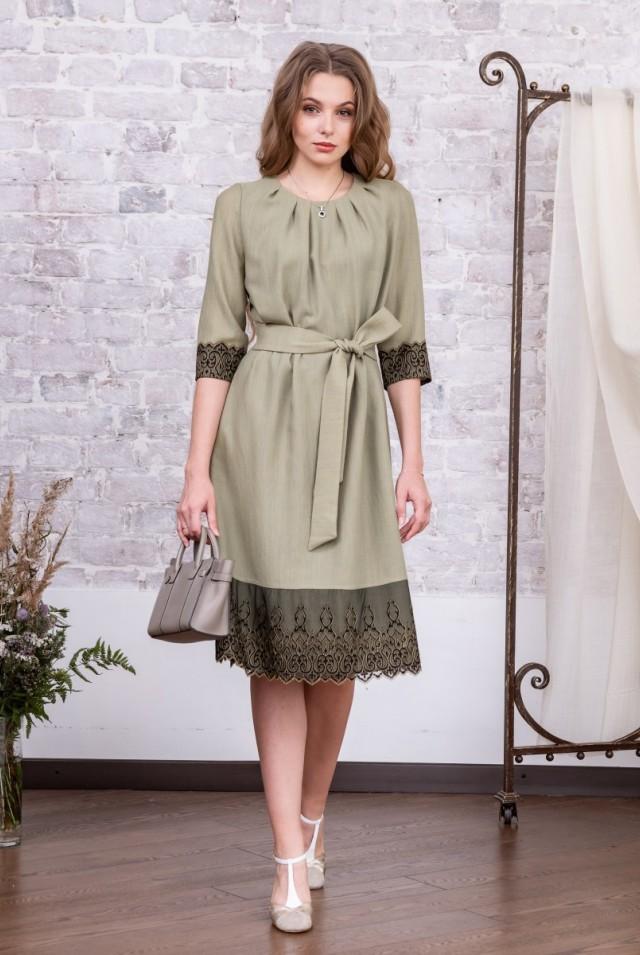 офисное платье с поясом зеленое