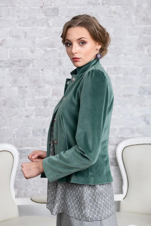бархатный пиджак красивый