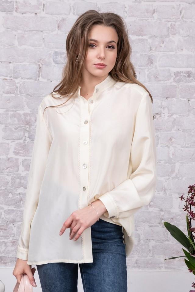 белая шелковая блузка