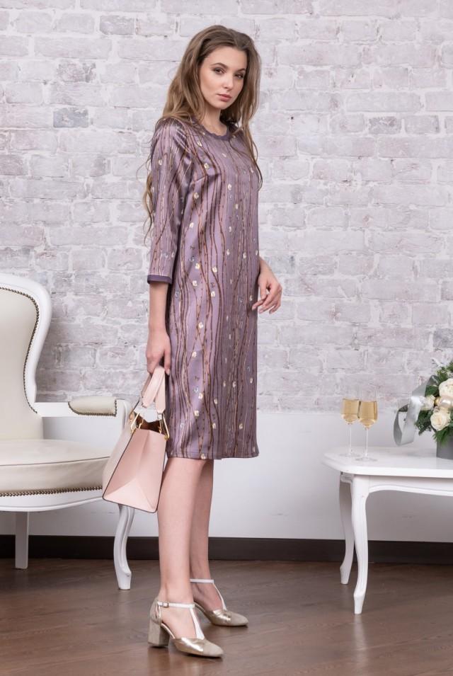 красивое платье из шерсти и шелка