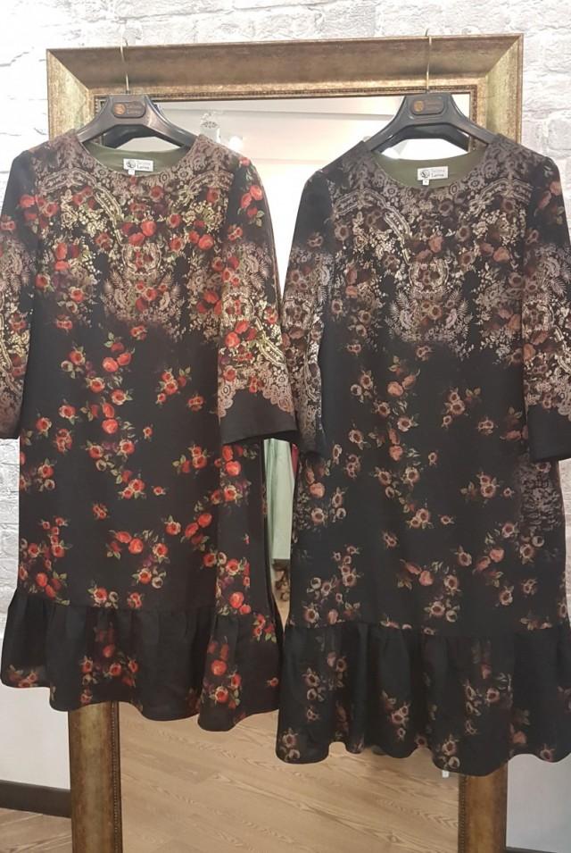 нарядное шерстяное платье с розами