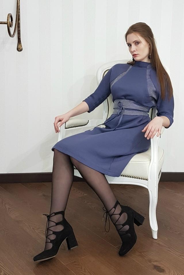 Платье из шерсти на весну красивое