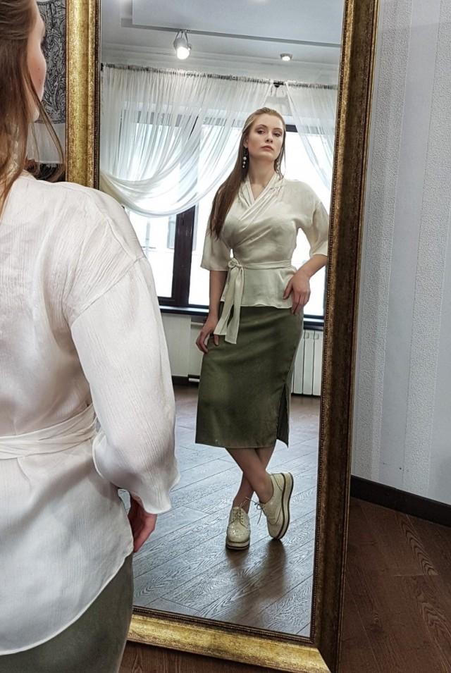 белая блузка на запах натуральный шелк
