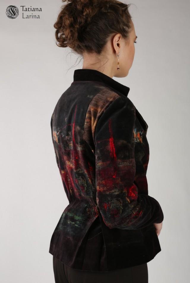 Бархатный женский пиджак