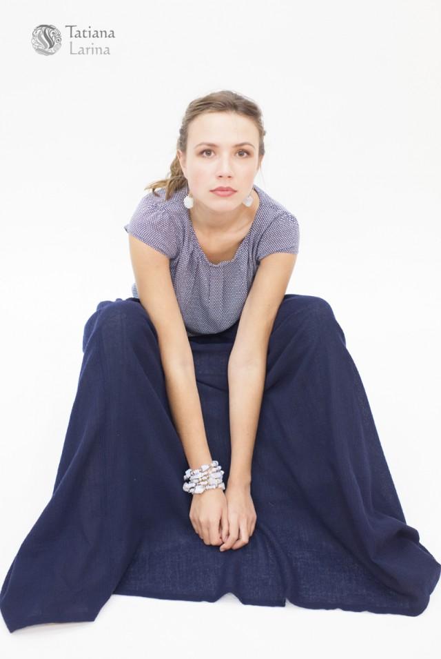 Синяя длинная юбка в пол на осень