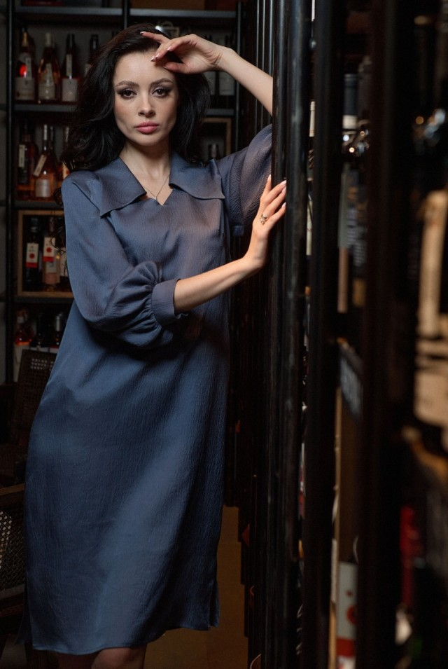 Прямое платье из натурального жатого шелка