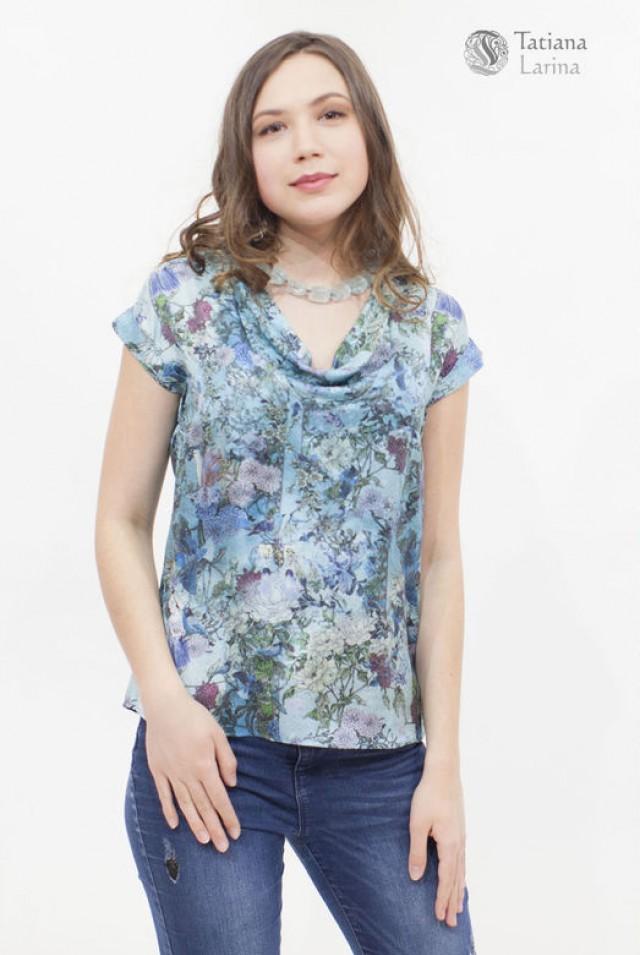голубая шелковая блузка на лето
