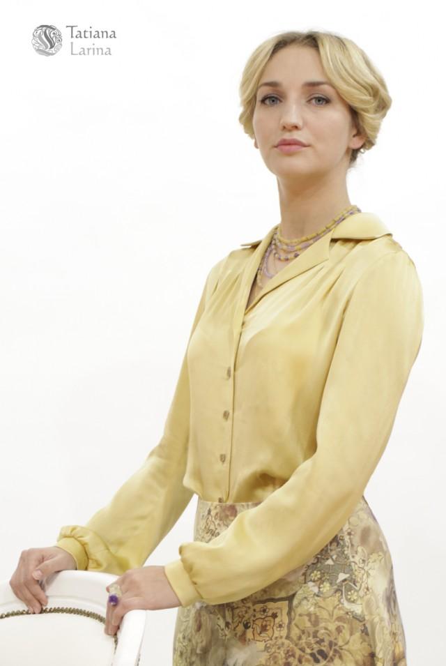 Красивая блузка из шелка для офиса