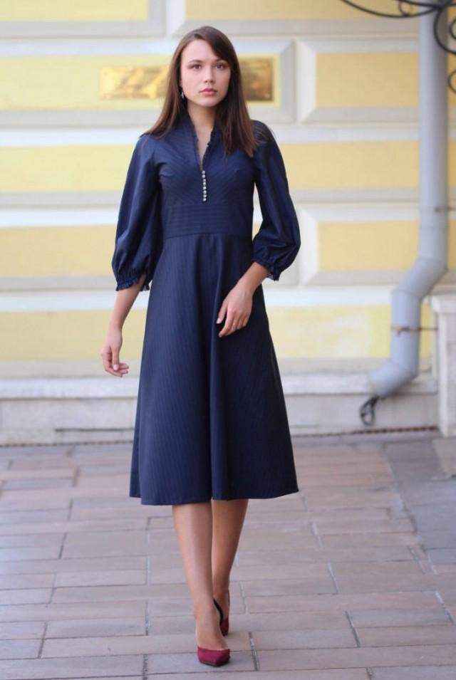 синее платье миди для офиса