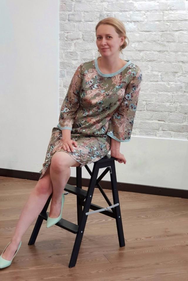 шелк дворе нарядное платье