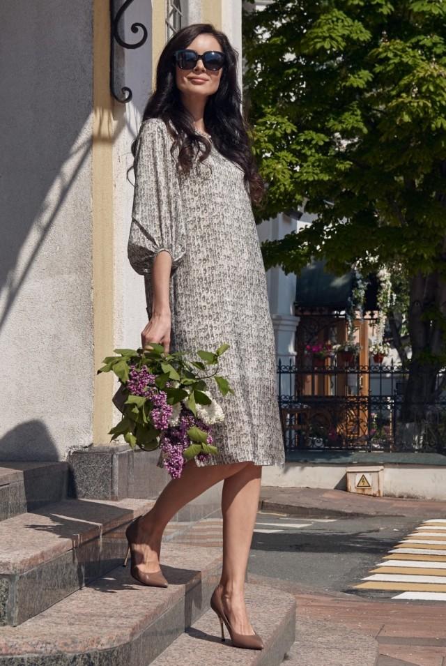 прямое шёлковое платье до колен