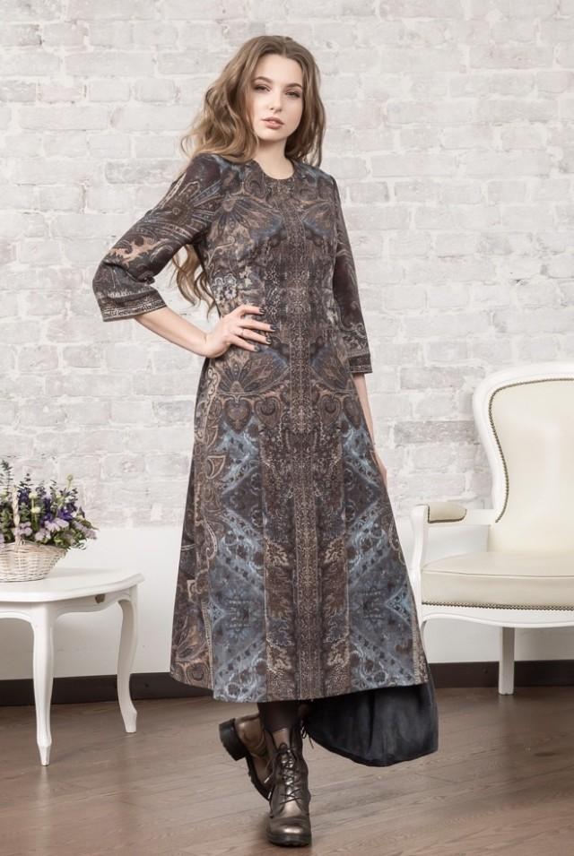 коричневое шерстяное платье миди