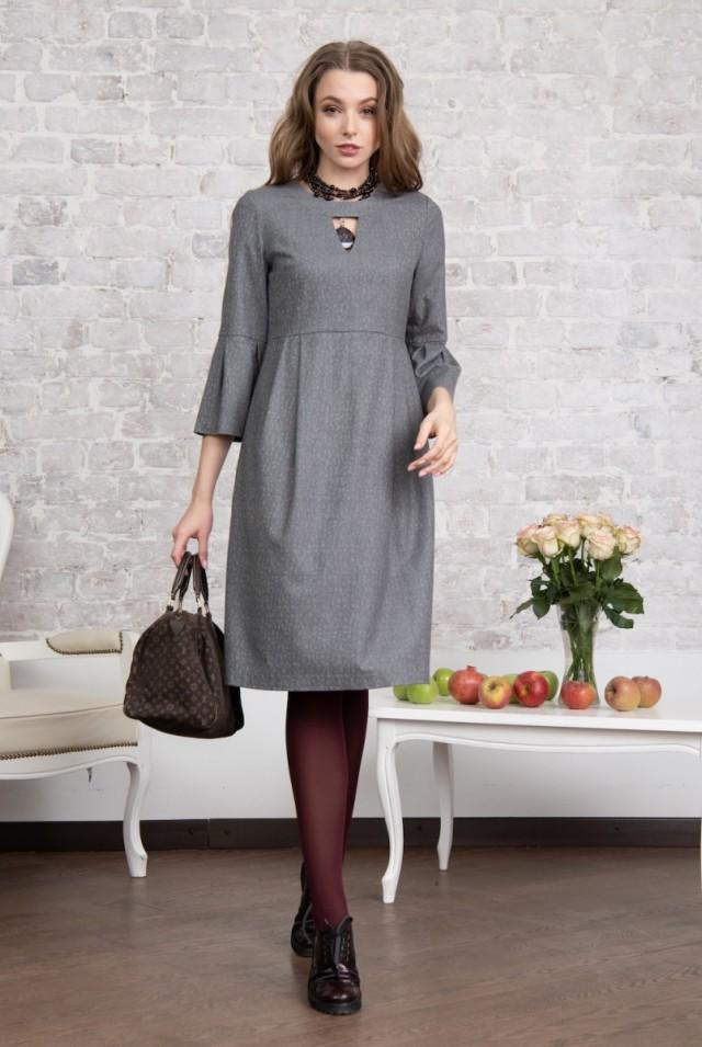 Платье из тонкой шерсти фото