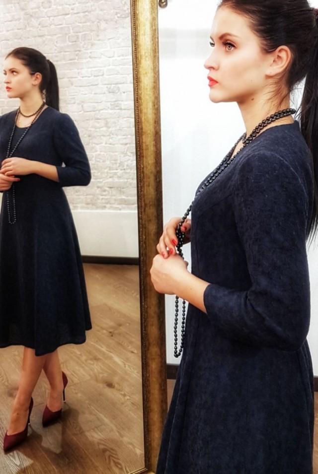 Синее платье миди из шерсти
