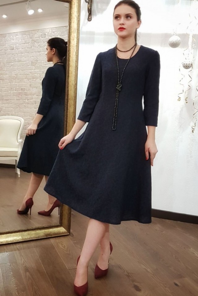нарядное синее платье 100% шерсть