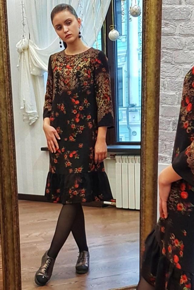 нарядное черное платье из шерсти